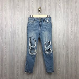 Hollister High Rise Distressed Hole Jeans #32